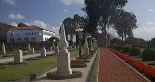 Jardín de Bahai con la mansión de Bahji Acre, Israel almacen de metraje de vídeo