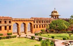 Jardín de Charbagh del fuerte de Jaigarh en Jaipur - Rajasthán, la India fotografía de archivo