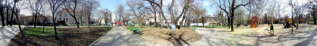 Jardín de Icoanei, Bucarest, 360 grados de panorama Imagen de archivo libre de regalías