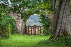 Jardín de la abadía de Pluscarden Foto de archivo