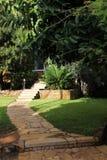 Jardín de la casa Fotos de archivo