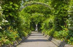 Jardín de la casa de campo de St Johns en parque de los regentes Imagen de archivo libre de regalías