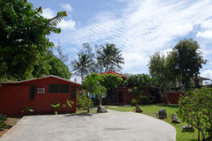 Jardín de la casa de playa de Waimanalo Imágenes de archivo libres de regalías