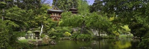 Jardín de té japonés panorámico Foto de archivo