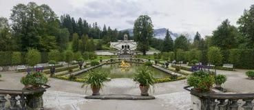 Jardín del palacio de Linderhof Fotografía de archivo libre de regalías
