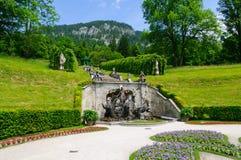 Jardín del palacio de Linderhof en Alemania Foto de archivo libre de regalías