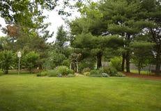 Jardín del patio trasero Fotos de archivo libres de regalías
