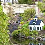 Jardín del resorte imagenes de archivo