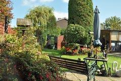 Jardín del verano en el campo británico Fotografía de archivo libre de regalías