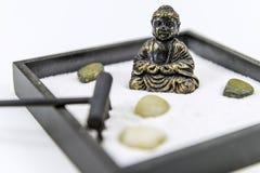 Jardín del zen con Buda Imagenes de archivo