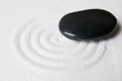 Jardín del zen con el guijarro Fotos de archivo libres de regalías