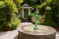 Jardín en el folio colonial más viejo del infierno-Bourg, Reunion Island de Maison del estado imágenes de archivo libres de regalías