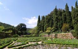 Jardín en la abadía de Fontfroide Foto de archivo