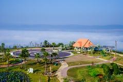 Jardín en la niebla del mar Foto de archivo libre de regalías