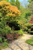 Jardín hermoso de la primavera en Escocia Imagen de archivo libre de regalías