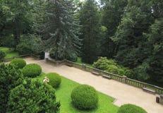 Jardín hermoso del castillo Konopiste imagen de archivo