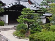Jardín japonés del templo imagen de archivo libre de regalías