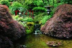 Jardín japonés en jardines del butchart Imagen de archivo libre de regalías