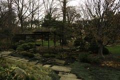 Jardín japonés en los jardines botánicos Imagenes de archivo