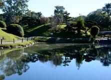Jardín japonés Puerto Madero en la oscuridad imagenes de archivo