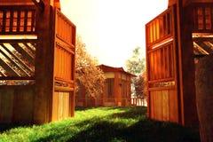 Jardín japonés y una casa Imagen de archivo libre de regalías