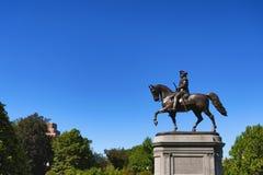 Jardín público George Washington Statue de Boston fotos de archivo