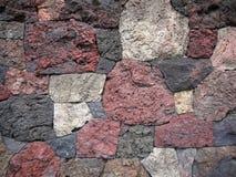 Jardín: pared de la roca de la lava del scoria Fotografía de archivo libre de regalías