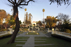 Jardín precioso y exquisito de la corte Foto de archivo