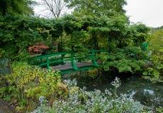 Jardín y charca de Monet imágenes de archivo libres de regalías