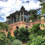 Jardín y pérgola de la colina en el brezo de Hampstead Imagen de archivo libre de regalías