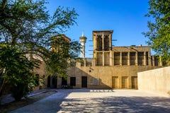Jarda de Dubai Al Bastakiya Al Fahidi Historical Neighbourhood imagens de stock