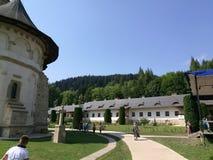 Jarda do monastério de Putna fotos de stock royalty free