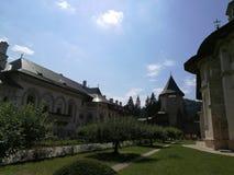 Jarda do monastério de Putna Imagens de Stock Royalty Free
