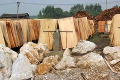 A jarda dos materiais da fabricação de papel Fotografia de Stock Royalty Free