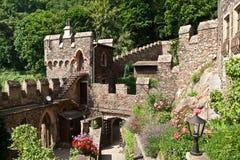 Jarda interna do castelo velho Imagens de Stock