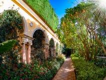 Jardim bonito da casa de campo Ephrussi imagem de stock royalty free