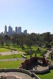 Jardim botânico da skyline de Melbourne  Imagens de Stock
