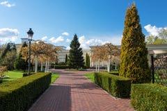 Jardim com paisagem do topiary Ajardinar no parque Foto de Stock