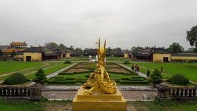 Jardim da cidade do imperador do ouro do dragão da estátua Fotos de Stock Royalty Free