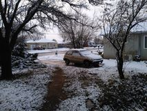 Jardim da frente em um dia de inverno foto de stock