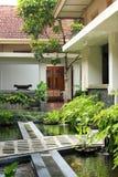 Jardim da lagoa de Koi Imagem de Stock Royalty Free