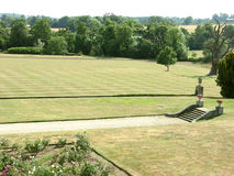 Jardim da mansão Fotografia de Stock Royalty Free