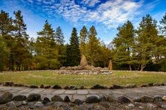 Jardim das pedras das amonites na costa do lago Fotos de Stock Royalty Free