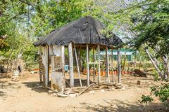 Jardim de erva e opiniões velhas de Curaçau da cabana do escravo Imagens de Stock Royalty Free