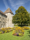 Jardim de flores dentro de Castelo de Rolle em Rolle em Genebra Foto de Stock Royalty Free