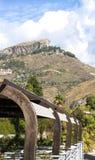 Jardim de suspensão nas montanhas de Taormina, Sicília, Itália Imagem de Stock Royalty Free