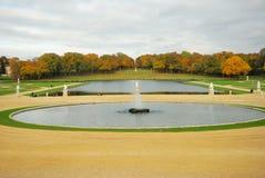 Jardim do castelo Chantilly imagens de stock royalty free