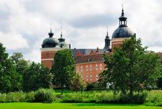 Jardim do castelo de Gripsholm, Sweden imagens de stock
