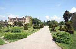 Jardim do castelo de Hever em Hever, Edenbridge, Kent, Inglaterra, Europa imagens de stock royalty free