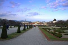 Jardim do palácio do Belvedere e vista de Viena Fotografia de Stock Royalty Free
